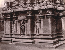 Close view of wall of shrine of Nageshvara Temple, Kumbakonam